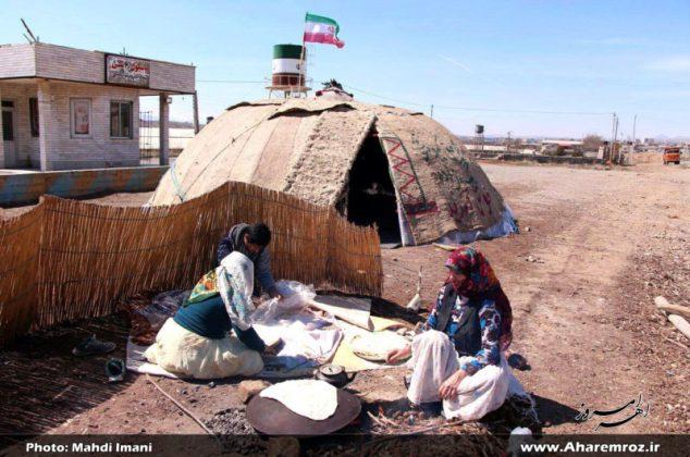 تصویری/ برپائی آلاچیق عشایری روبروی اداره امور عشایر شهرستان اهر