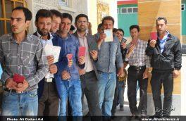 حضور بینظیر اهریها در پای صندوقهای رأی/ صفهای طولانی مردم اهر در مقابل شعب اخذ رأی