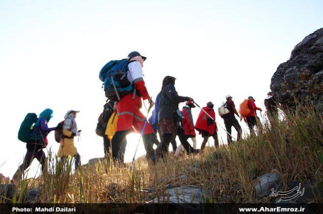 تصویری/ دومین صعود سراسری کوهنوردان کارگر کشور به کوه قوشا داغ اهر (۱)