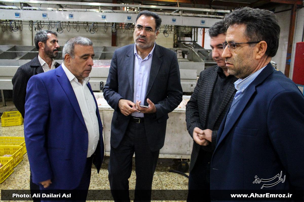 کشتارگاه صنعتی طیور اکبری اهر جزو کشتارگاههای بهداشتی آذربایجان شرقی است/ حمایت از طرح توسعهای در کشتارگاه صنعتی اکبری