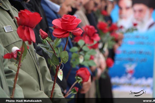 تصویری/ عطر افشانی و غبارروبی مزار شهدای اهر به مناسبت دهه مبارک فجر