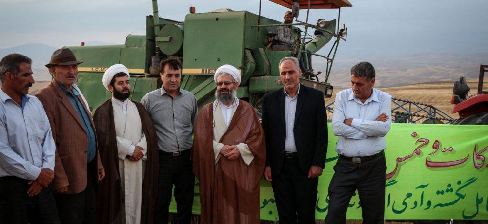 تصویری/ بازدید امام جمعه شهرستان اهر از مزارع زارعین و عاملین زکات این شهرستان