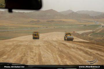 بهرهبرداری از ۱۳ کیلومتر بزرگراه اهر-تبریز به شرط تامین مالی تا پایان امسال/ ۷ کیلومتر از بزرگراه اهر-تبریز تا یک ماه آینده آسفالت میشود