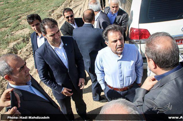 تصویری/ حضور وزیر راه و شهرسازی در اهر و بازدید از پروژه در حال احداث بزرگراه اهر – تبریز