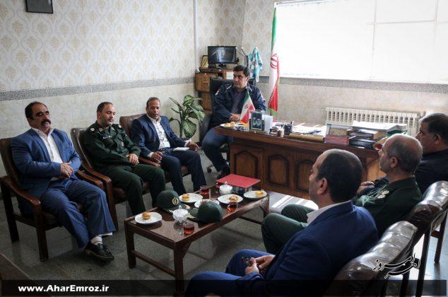 تصویری/ دیدار اعضای شورای بسیج ورزشکاران شهرستان اهر با رئیس اداره ورزش و جوانان به مناسبت هفته ورزش