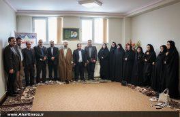 تصویری/ دیدار اعضای انجمن کتابخانه ها و کتابداران اهر با امام جمعه؛ مناسبت هفته کتاب