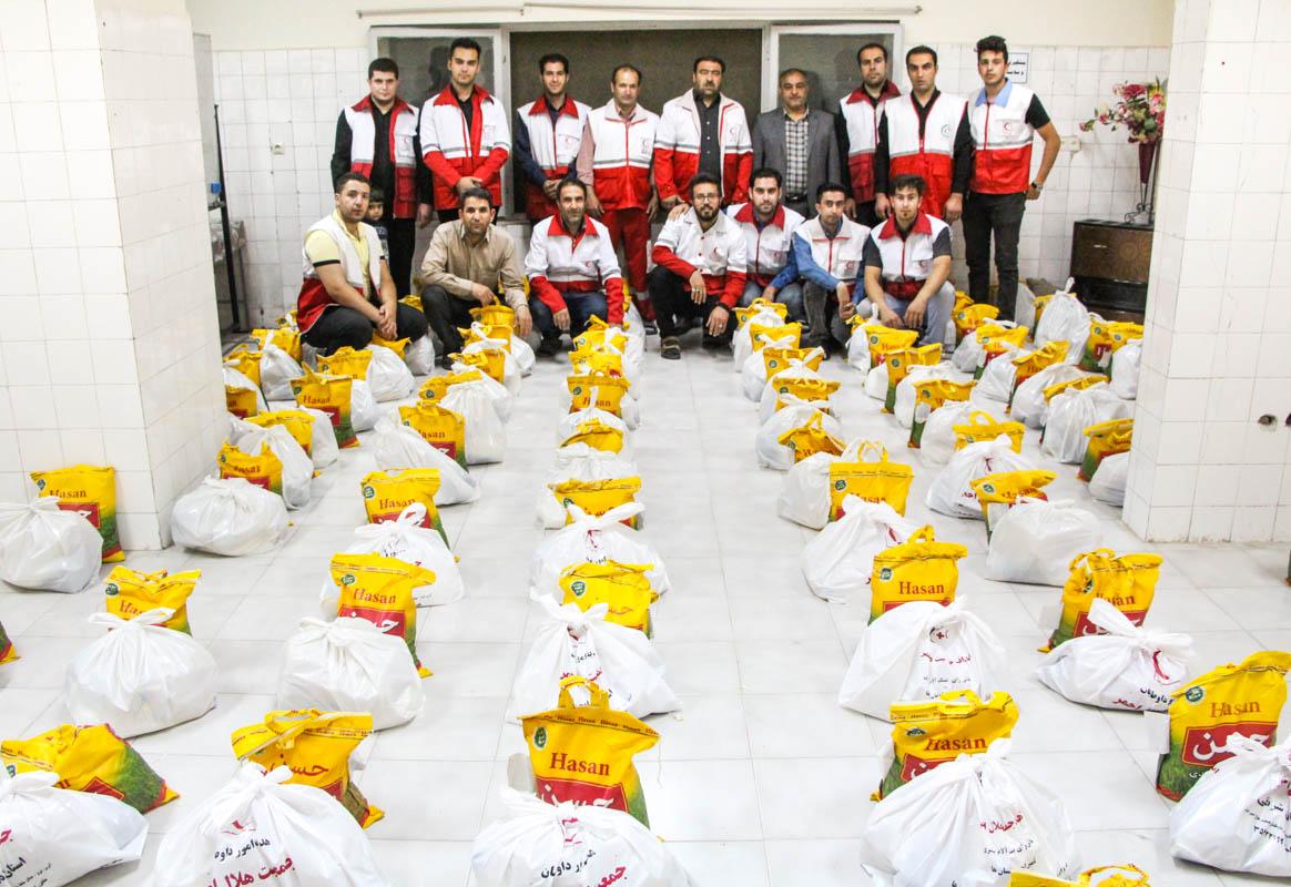 توزیع ۱۲۵۰ بسته غذایی بین نیازمندان شهرستان های اهر و هوراند