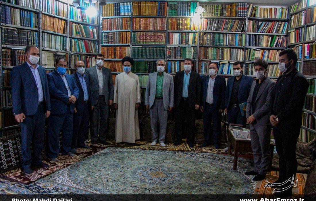 دیدار هیئت رئیسه دانشگاه فرهنگیان استان با خانواده دانشجو معلم شهید آل محمد