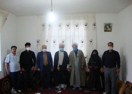 خانوادههای شهدا و ایثارگران الگوهای بینظیری برای ملت ایران هستند