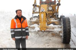 برف راه ارتباطی ۱۵۰ روستای اهر و هوراند را مسدود کرد