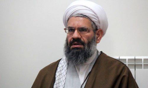 اشرافی گری بهنظام و انقلاب اسلامی آسیب جدی وارد میکند