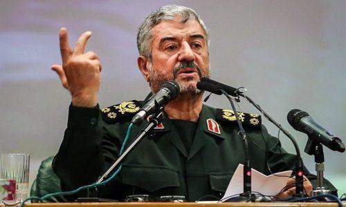احدی از پاسداران و فرماندهان سپاه حق دخالت سیاسی و جناحی در انتخابات را ندارند