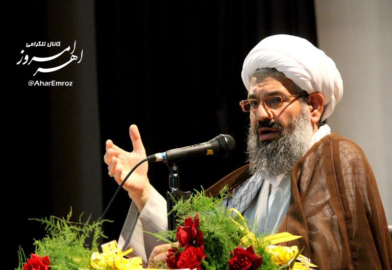 مشکل بیکاری و معیشت مردم با تشکیل کابینه انقلابی و جهادی حلشدنی است