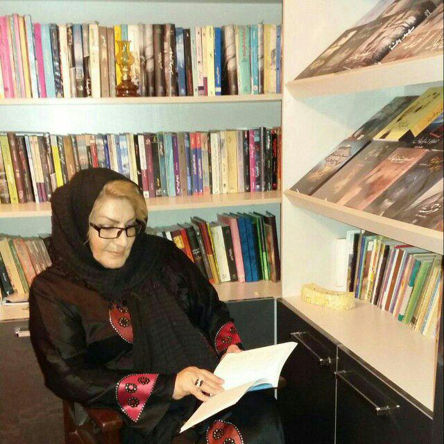 """تا نفس دارم کتاب مینویسم/ کتاب """"بانوی فتنه"""" منتشر شد"""