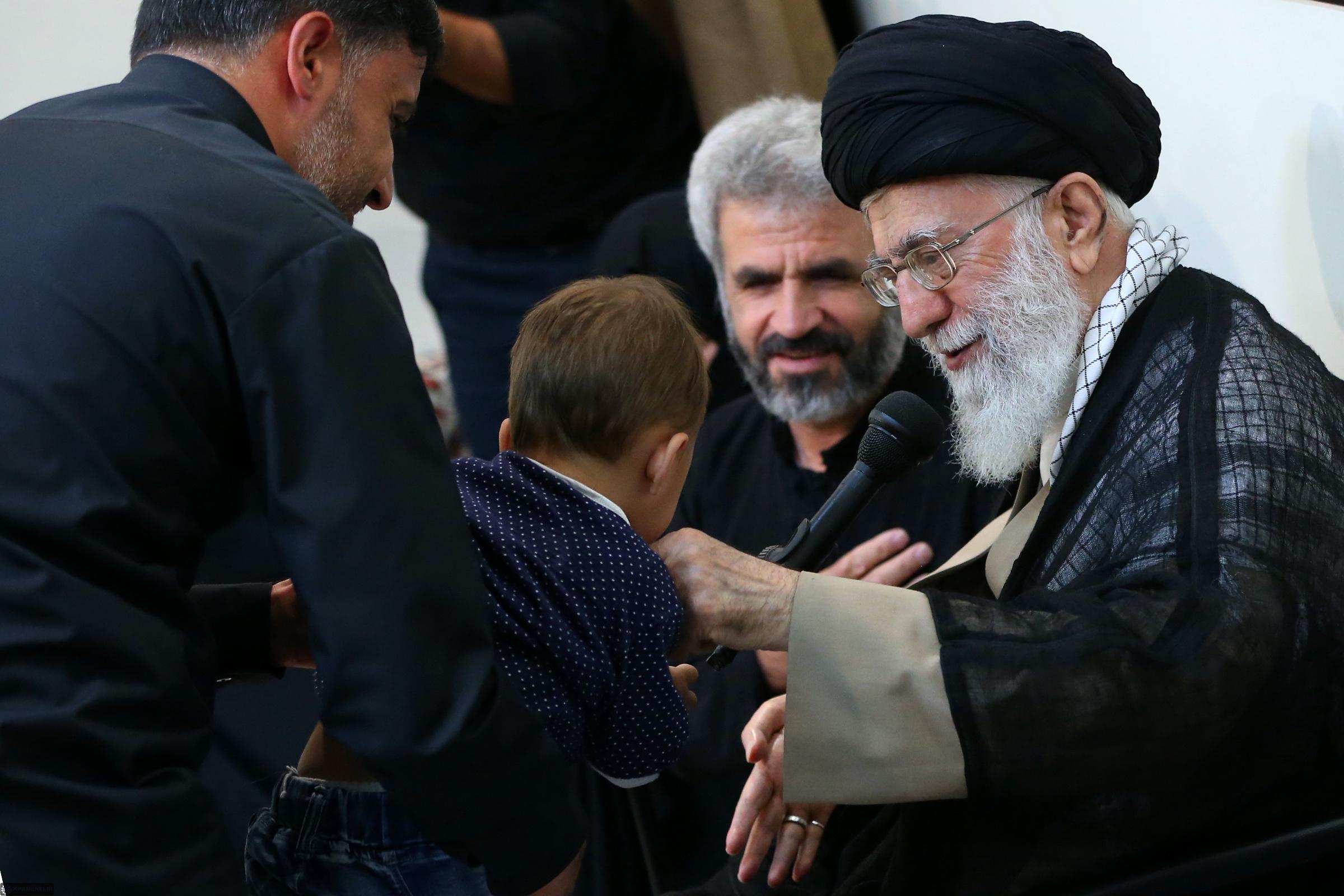 """شهید حججی"""" نشانه خدا و نماد شهادت مظلومانه و شجاعانه است"""