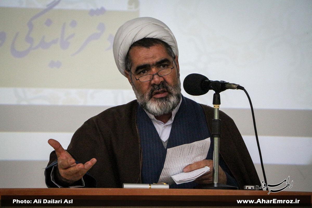 آمریکاییها جزء تحریم اقتصادی راهی برای مقابله با ایران ندارند/ سرمایهگذاری در ایمان و تقوا در حل مشکلات معیشتی و اقتصادی مؤثر است