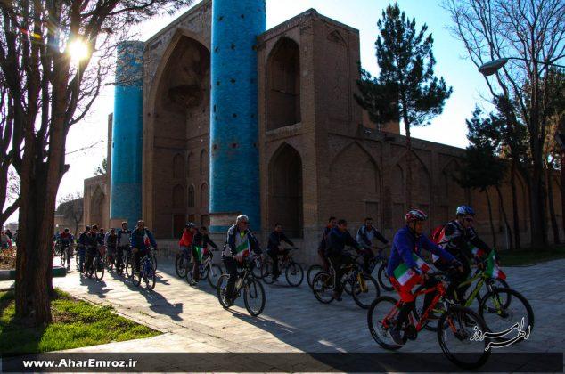 تصویری/ همایش دوچرخهسواری خانوادگی در اهر